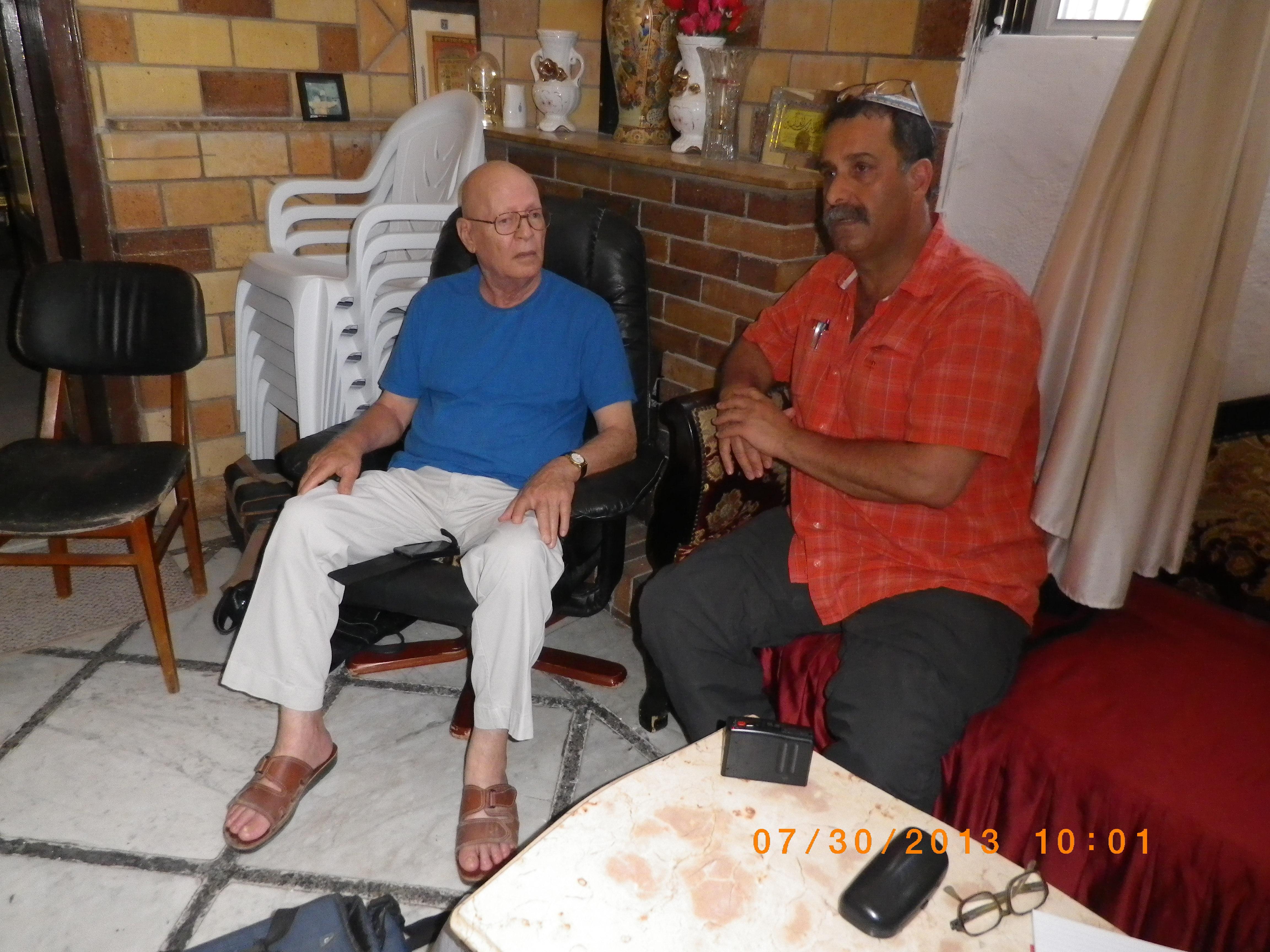 אבי ששון מראיים את מחמוד סאלם בעכו 30.7.13 (11)