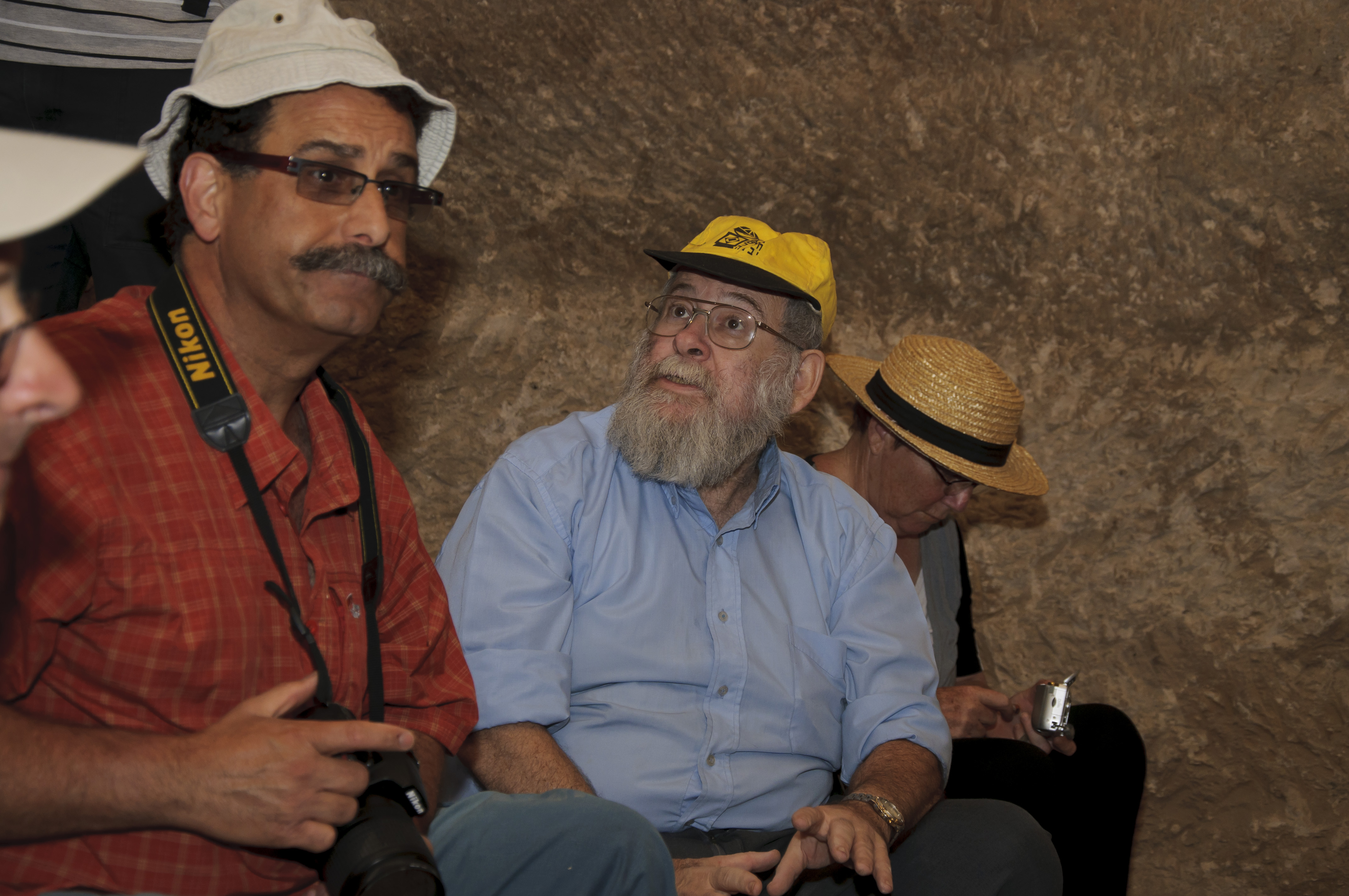 ששון ופרופ זאב ספראי בחורבת לויה 2011